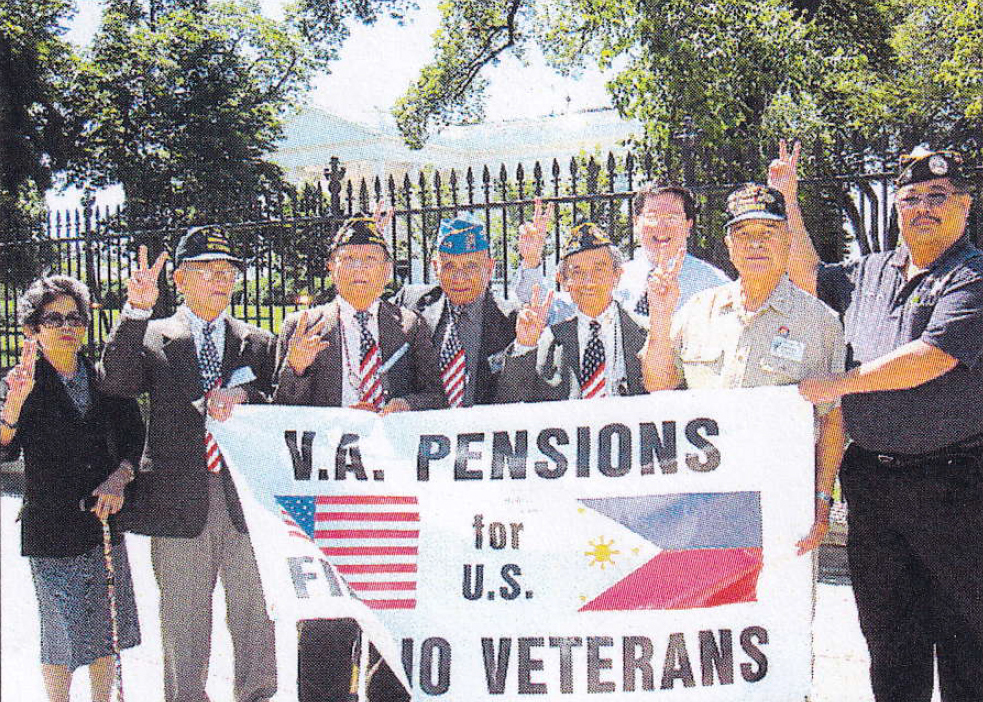 Veterans & Protesters outside the White House, campaigning for benefits! June 2008, Photograph by Eric Lachica for ACFV.